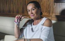 Loni prodala Divadlo Radka Brzobohatého a nyní si založila Divadélko Radka Brzobohatého. Hana Gregorová (65) zřejmě zkouší, co nová principálka Romana Goščíková (35) vydrží. Může ale tvrdě narazit.