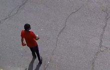 Policie hledá bezcitného zloděje: Okradl invalidního seniora!