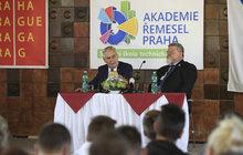 Zeman zahájil školní rok: Řemeslo je prestižní,  poslanci až na konci!