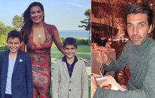 Ubrečená Šeredová: Emotivní scéna při předávání synů