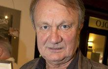 Režisér Adamec (69): Zničený majetek!