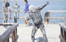 FOTO TÝDNE: Milan Drobný na líbánkách tančil v bahně!