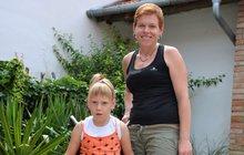 Petra Grofová (36) z Němčiček pečuje o nevyléčitelně nemocnou dceru Sabinku (7): Má mozkovou obrnu!