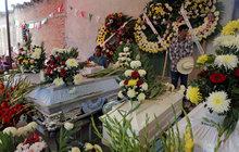 Tragédie ve zbořeném kostele: Miminko umřelo při křtu!