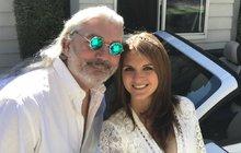 Tajná svatba v Las Vegas! Hůlka ve stopách Gotta a Presleyho