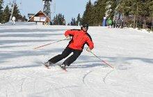 Sníh zavalil lyžaře (35)