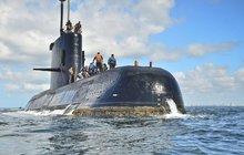 Zvuky v moři, které zachytili v pondělí argentinští záchranáři, nevydávala zmizelá armádní ponorka se 44 lidmi na palubě. Uvedl to mluvčí námořnictva. Pokud se nestane zázrak, znamená to konec všech nadějí. Posádce zbývají už jen hodiny života.