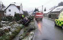 Nezvládla řízení a narazila do mostku. Řidička (†61) v Hrabenově na Šumpersku nepřežila tragickou nehodu.