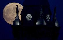 Když Měsíc září nejblíže: Superúplněk 3x po sobě!
