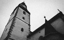 Školačka umrzla v kostelní věži
