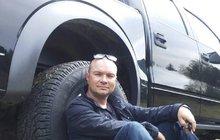 Populární motoristický magazín Autosalon přišel o jednoho z moderátorů! Martin Smolík (†46) totiž před natáčením nového dílu náhle zemřel.