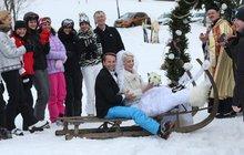 Polívková se vdala za Révaie: Filmová svatba byla na sněhu...