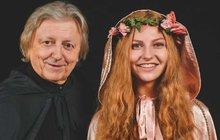 Své příznivce před Vánocemi potěšil Václav Neckář (74) novou ukolébavkou Andílku náš.