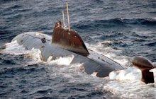 """""""Zranitelnost kabelů na dně moří je novým rizikem pro náš způsob života,"""" varuje šéf britských vojsk. Právě u transatlantických kabelů, na nichž závisí světový internet, se nějak podezřele často »motají« ruské lodi a ponorky."""