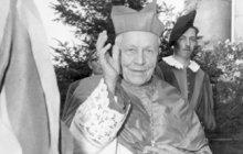 Z vlasti ho vyštvali komunisté: Kardinál Beran už je DOMA!