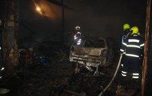 Hasili požár stodoly v Ločenicích: Našli ohořelou mrtvolu!