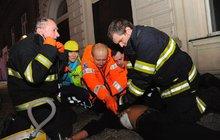 Ohnivé peklo v Praze: Proč museli umřít 4 cizinci?