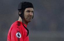 Šílená minela vytočila fans: Čech popravil Arsenal