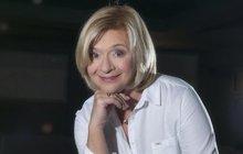 Populární herečka Jana Paulová (63) se kromě spousty divadelních rolí zapsala do paměti diváků jako Vilma Nováková zfilmu Kameňák. Přestože se neobjevila ve všech dílech, po dlouhých čtrnácti letech se herečka rozhodla na vlastní žádost vrátit do tohoto projektu.