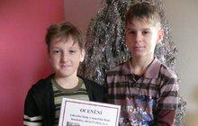 Hrdinové Viktor (9) a Honza (10):  Vytáhli Davida (10) z ledové pasti!