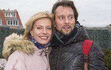 Cesty lásky jsou nevyzpytatelné! Přestože Kristina Kloubková (41) randí s Václavem Kunešem (42) teprve pár měsíců, znají se už čtvrt století. Jejich společná retro fotka je toho důkazem!