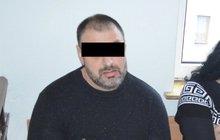 Útočník Fabian K. (40) u soudu: Seniora zabil hranou ruky