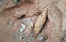 Žena našla minu, odpálili ji