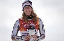 Planeta oněměla úžasem. Svět alpského lyžování si sedl na zadek. Specialistky, které celý život pilují formu na dvou prkýnkách, pálí lyže. Olympijské zlato zlato jim vyfoukla snowboardistka Ester Ledecká (22).