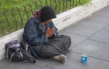 Méně lidí na hranici chudoby