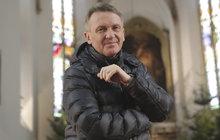 Farář celebrit Zbigniew Czendlik (54): Neštěstí je, když shoří duše!