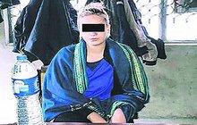 Tereze H., kterou na letišti v Láhauru chytili s devíti kilogramy heroinu, prodloužil pákistánský soud vazbu do 1. března. Rodačka z Uherského Hradiště ve vězení sedí už 45. den, což se začíná podepisovat na jejím psychickém stavu.