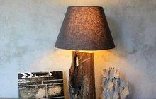 Staré dřevo nemusí končit v kamnech: Vyrobte z něj lampu!
