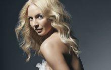 Nahá a v posteli. Sexy Markéta Konvičková (23) natočila žhavý klip k nové písničce. Bývalá hvězda show »Tvoje tvář« se v něm objevuje v rouše Evině. Aby se v něm nemusela tisknout k hrudníku cizího muže, angažovala přítele Rendu!