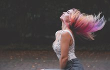 Barvení vlasů 1. část: Co byste měla vědět, než si doma obarvíte vlasy?
