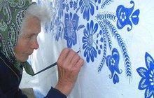 »Ornamentová babička« Anežka Kašpárková (†90)  : Kapličky už maluje v nebi