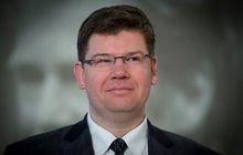 Špatné světlo na TOP 09 vrhá Jan Zedník. Ten je asistentem europoslance a šéfa »topky« Jiřího Pospíšila (42, na snímku), zároveň ale vydělává na obchodu s chudobou.