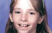 Mikkele Biggs zmizela 2. ledna 1999, tehdy si hrála před domem smladší sestrou. Ta ovšem na chvilku zaběhla do domu. Stačilo 90 vteřin, aby se po Mikkele slehla zem. Minulý týden se policii dostal do rukou tajemný vzkaz…