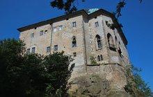 Cestování: Brána do pekla na hradě Houska...