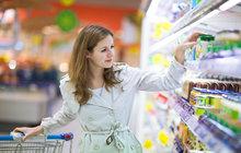 Mzdy rostou, ale Češi se stejně více nerozšoupnou: Kolik stojí jídlo?