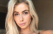 Krásná hvězda sociálních sítí: Smrt v letadle!