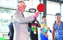 I když mu letos bude 70, britský princ Charles se na věk nebo zdraví nevymlouvá a své povinnosti následníka trůnu poctivě plní. Naposledy se vydal na státní návštěvu Austrálie, stihl toho požehnaně, a hlavně se dobře bavil.