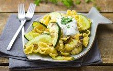 Lehká večeře: Cuketové těstoviny s bylinkami