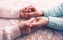 Aha! radí seniorům: Jak se vyrovnat se smrtí!