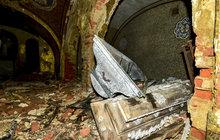 Z cenné hrobky na Děčínsku jsou ruiny! Oprava vyjde na miliony!