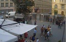 Bitka 7 cizinců v centru Prahy: Jak se to seběhlo? Plivali po zákazníkovi!