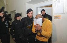 První tresty za napadení číšníka Miroslava V. (36): Bratry Armina (28) a Arashe (31) zavřeli