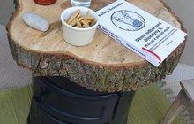 Jak na stará kamna? Vyrobte z nich odkládací stolek!