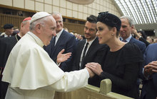 Katy  a Orlando: Rande u papeže