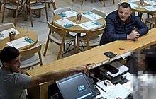 Nebezpečná dvojice zlodějů: Odlákají pozornost a kradou!