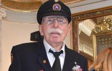 Belgický veterán se vrátil do Plzně: Louis Gihoul (94) 800 kiláků odřídil sám! V roce 1945, ale i teď!